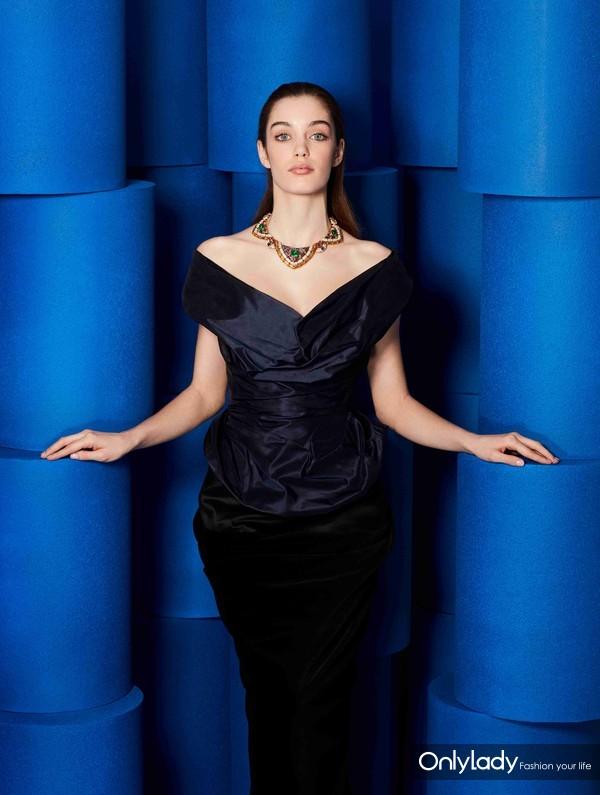 高端定制礼服维维安·韦斯特伍德 (Vivienne Westwood)与宝格丽古董典藏系列项链