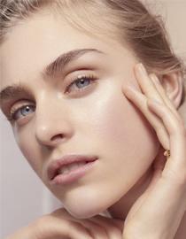 月光宝盒丨10款功能强大,质地无负担的护肤品!