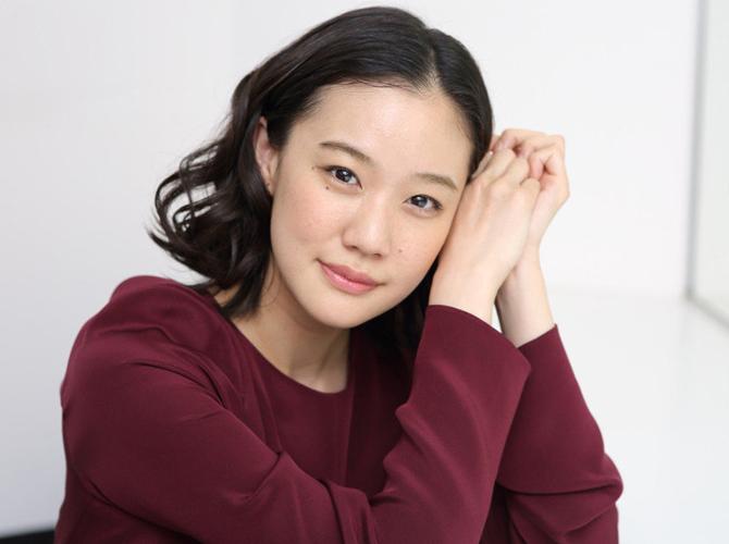日本国民女神苍井优和交往1个月的谐星闪婚了?