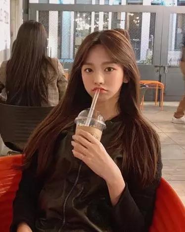 和TOP女友是闺蜜,黄子韬的这位绯闻女友竟然是韩国网红?