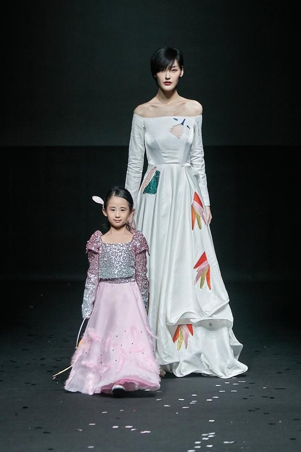 "2020SS VICKY'Z""美丽鸟""发布会:绽放自然绮丽"