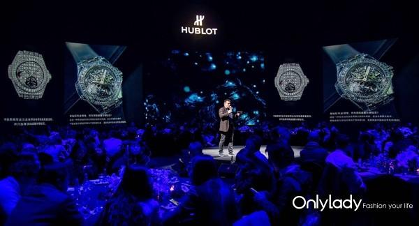 6. HUBLOT宇舶表研究开发部总监马蒂亚斯·布特(Mathias Buttet)现场为大家讲述高级珠宝腕表的独特魅力