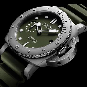 沛纳海SUBMERSIBLE VERDE MILITARE潜行系列军绿色腕表 – 42毫米