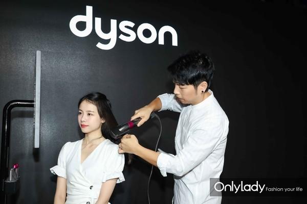 明星造型师郭子敬使用戴森产品进行造型示范 3