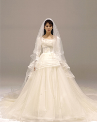 刘涛身着婚纱演绎迪士尼在职公主