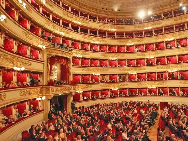在VALENTINO,感受一场感性与浪漫并存的颂歌