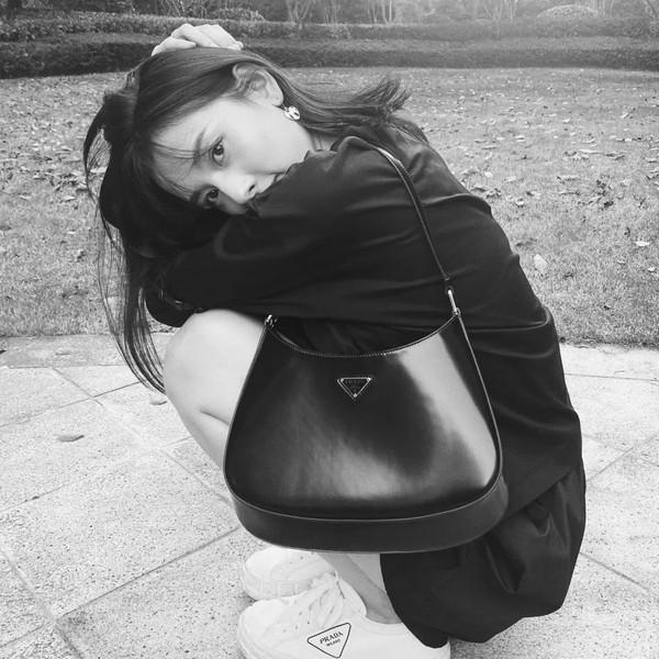 """唐嫣、刘雯、杨采钰的新包包怎么""""牛里牛气""""的!"""