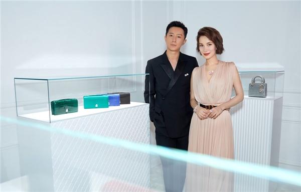 韩庚夫妇出席迪奥DIOR ROSE高级珠宝系列发布活动