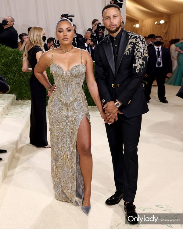 Ayesha Curry&Stephen Curry in Atelier Versace