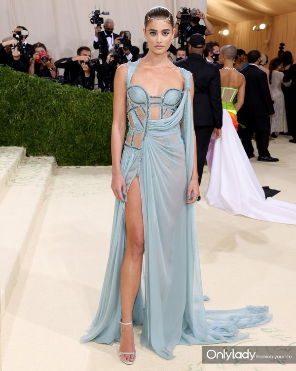 Taylor Hill in Atelier Versace