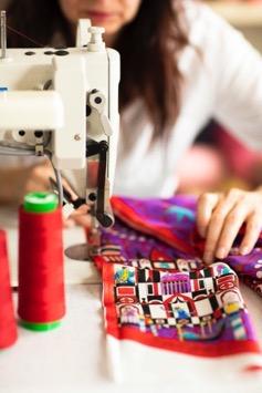 缝纫机在桌子上  中度可信度描述已自动生成