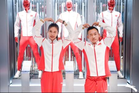 【安踏新闻稿】与国同庆 冠军同行——北京合生汇(6)(1)877