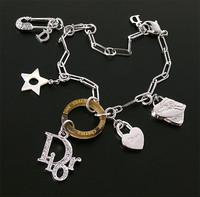 Dior07新款手链走可爱路线