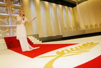 Diane KRUGER身着CHANEL主持60届戛纳电影节