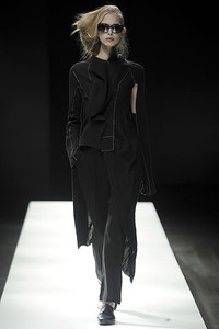 Yohji Yamamoto黑与白的纠缠