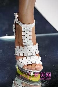 范思哲09新娘鞋的简约魅力