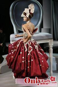 魅力DIOR婚纱 歌剧中的浮华艳色