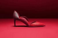 """圣诞将至  Valentino推出""""Rouge Absolute""""配件系列"""