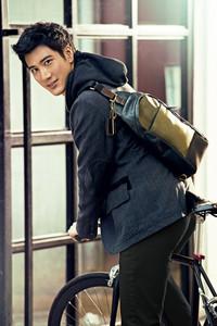COACH再度携手王力宏演绎2013秋冬男士纽约风尚