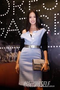 众星演绎Prada 2013秋冬格纹系列