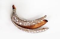 Tiffany诠释病态美 打造腐烂水果珠宝