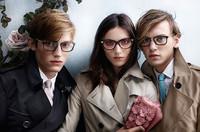 轻巧舒适的典范 Burberry2014 Trench 眼镜系列