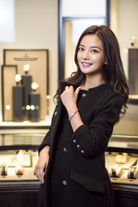 赵薇参与设计并演绎积家101高级珠宝腕表