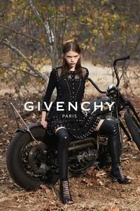Givenchy 2015春夏系列宣传照