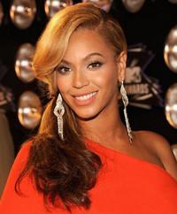Beyoncé与Topshop联手合作创立时尚公司