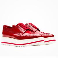 Prada 坡跟系带鞋