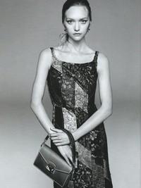 超模精灵Gemma Ward回归 登上Prada最新广告