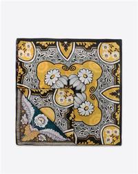 Valentino 2015春夏印花方巾