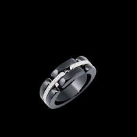 香奈儿 ULTRA系列白18K金镶黑陶瓷钻石戒指