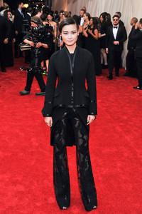 李宇春身着Givenchy出席纽约大都会博物馆慈善晚宴