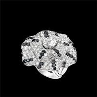 香奈儿 CAMéLIA系列白18K金黑钻戒指