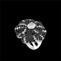 香奈儿 CAMéLIA系列白18K金花朵戒指