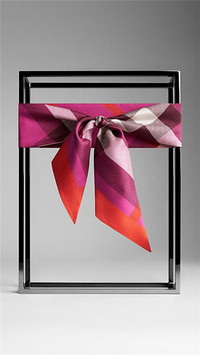 博柏利 Burberry 2015 格纹印花窄版丝巾