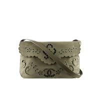 香奈儿Chanel 刺绣丝绒小牛皮邮差包