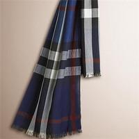 博柏利Burberry 格纹羊绒混纺围巾