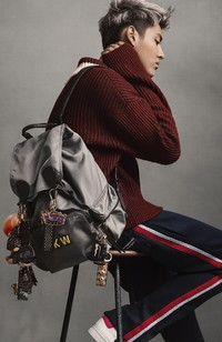 BurberryЯ�����ෲ�Ƴ���THE KRIS WU EDIT ���ෲʱ���ؼ���ϵ��