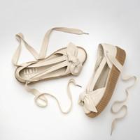 SS17 FENTY PUMA by Rihanna Creeper Bow Sandal鞋款浪漫上市