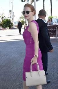 杰西卡·查斯坦(Jessica Chastain)演绎Longchamp「珑骧」Paris Premier系列包袋