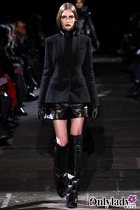 Givenchy 2012秋冬巴黎女装惊现吸血女王