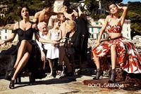 """万人接力 反霸道人潮""""围剿""""Dolce&Gabbana"""