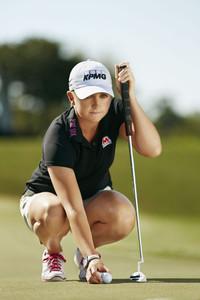 世界排名第一高尔夫女将史黛西•路易斯加盟欧米茄