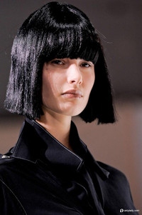 山本耀司回归原始反时尚 日式波波头大展潮流文化精髓