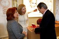 奥斯卡影后妮可·基德曼造访欧米茄维也纳旗舰店