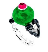 Cartier领衔珠宝品牌 今夏绿色戒指PK