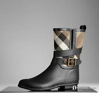 雨季不怕来 Burberry最新雨靴推荐