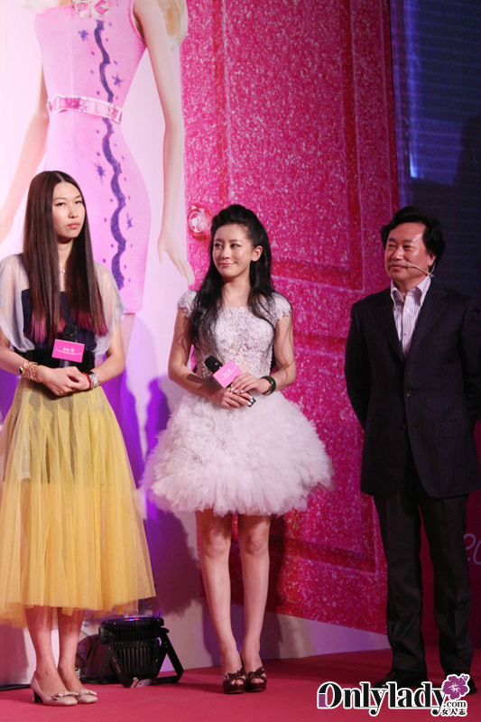兰玉任芭比服装设计评委 鼓励年轻人大胆追求梦想